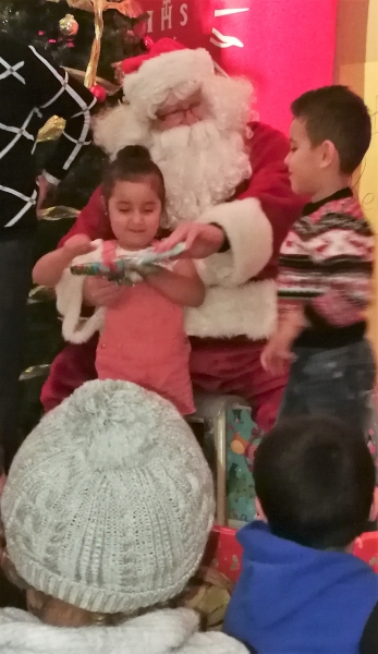 14 Santa with Brother and Sister